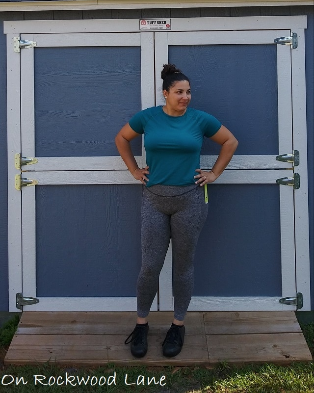 athleisure outfit with short sleeve teal t-shirt, gray active leggings and black sneakers On Rockwood Lane