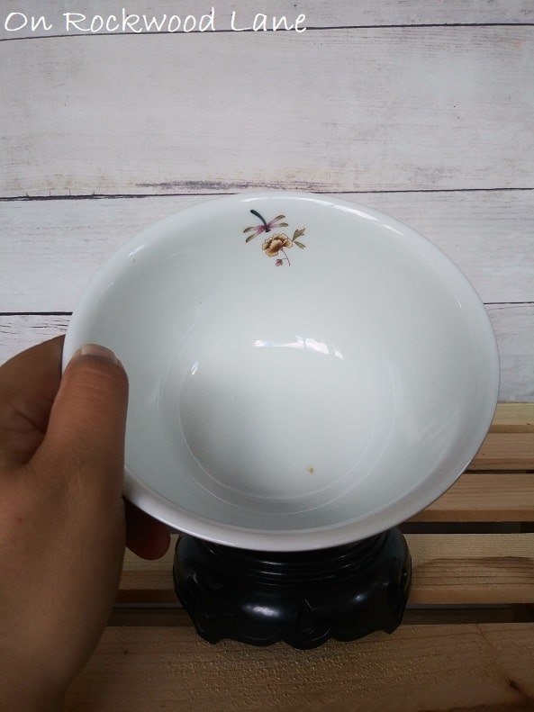 Small Dragonfly Motif Inside of Avon Independence Day 1981 Bowl, On Rockwood Lane